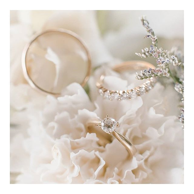 simplicity. 💍 www.amilonignacio.com . . . . . . . ⠀⠀⠀⠀⠀⠀⠀⠀⠀ . . . . . . . . . . . ⠀⠀⠀⠀⠀⠀⠀⠀⠀ . . . . . . ⠀⠀⠀⠀⠀⠀⠀⠀⠀ .. . #weddingsph #philippineswedding #weddingphotography #Bride #brideph #bridestyle #weddinginspiration #weddings #weddingphoto #weddingday #weddingchicks #SMPShareYourStory #TheKnot #ruffledblog #photobugcommunity #featuremeoncewed #fineartcuration #brideandbreakfast #bridestory #weddingrings  #manilaweddings #everydayIBT #meaningfulwedding #aisleperfect #weddingslayer #soloverly #sobridaltheory #simple #minimal #amilonignaciophotography