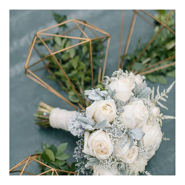 wedding bouquet. 💐💍🍃 www.amilonignacio.com . . . . . . . ⠀⠀⠀⠀⠀⠀⠀⠀⠀ . . . . . . . . . . ⠀⠀⠀⠀⠀⠀⠀⠀⠀ . . .. . . #weddingsph #philippineswedding #weddingphotography #Bride #brideph #bridestyle #weddinginspiration #weddings #weddingphoto #weddingday #weddingchicks #SMPShareYourStory #TheKnot #ruffledblog #photobugcommunity #featuremeoncewed #fineartcuration #brideandbreakfast #bridestory #stylemepretty #manilaweddings #everydayIBT #meaningfulwedding #aisleperfect #weddingslayer #soloverly #sobridaltheory #simple #minimal #brideandbreakfastph