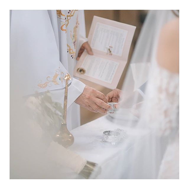 ⛪💍 www.amilonignacio.com . . . . . . . . . . ⠀⠀⠀⠀⠀⠀⠀⠀⠀ . . . . . . . . . . . . . . . . . . . . . . . . . . . #weddingsph #philippineswedding #weddingphotography #Bride #brideph #bridestyle #weddinginspiration #weddings #weddingphoto #weddingday #weddingchicks #SMPShareYourStory #TheKnot #ruffledblog #photobugcommunity #featuremeoncewed #fineartcuration #brideandbreakfast #bridestory #stylemepretty #manilaweddings #everydayIBT #meaningfulwedding #aisleperfect #weddingslayer #soloverly #sobridaltheory #simple #minimal #amilonignaciophotography