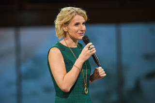Author of the book  Eat, Pray, Love , Elizabeth Gilbert