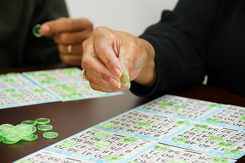 playing-bingo