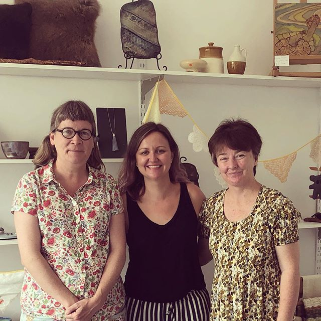 Such a great morning, meeting with new creative collective @artboxgalleryandshop - thank you for showing us your terrific Kandos space @fleurmacdonald, Lesley Watson and Cheree Edwards. Look out for upcoming artist opportunities from the Art Box Gallery and pop in to see the art, contemporary craft, handcrafted jewellery and retro collectables currently on display!  #kandos #creativecollective #contemporaryart #jewellery #retrocool #regionalartsnsw #artspace #regionalgallery #artboxgallery #regionalcreatives #oranaregion  @mudgeeregion @choosemudgeeregion