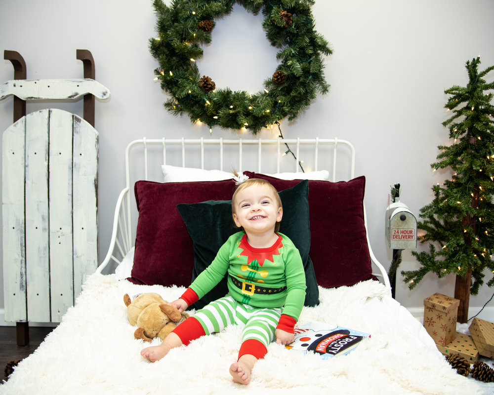 Kyla Jo Photography // Muncie, Indiana // Christmas Minis in the Studio // Christmas Sessions // Midwest Photographer // Christmas PJS