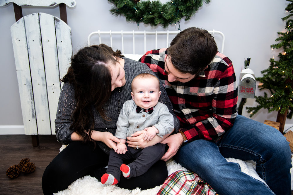 Kyla Jo Photography // Muncie, Indiana Photographer // Midwest Photographer // Photography Studio // Christmas Photos