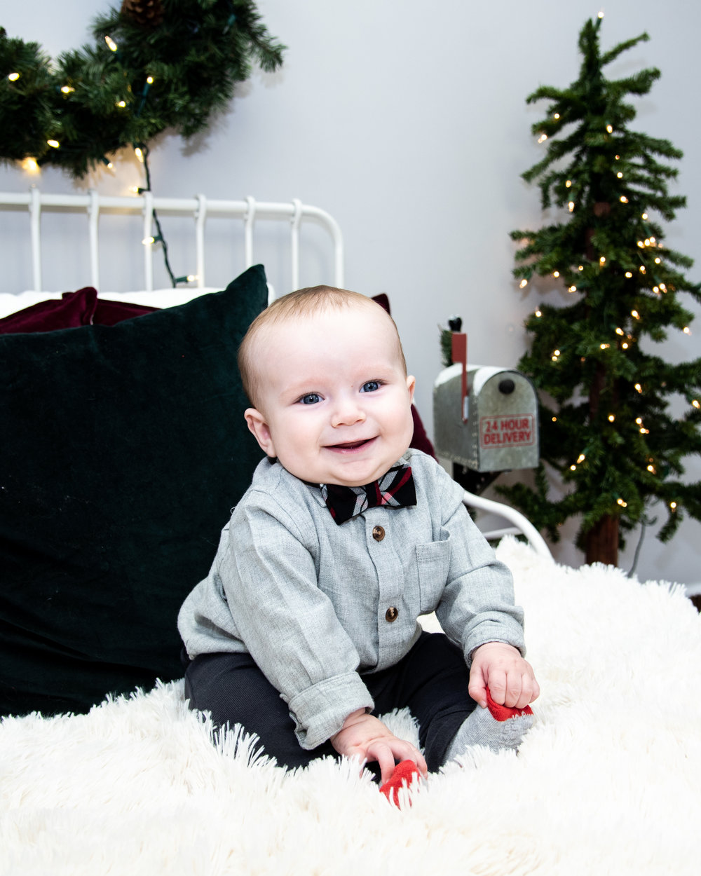 Kyla Jo Photography // Muncie, Indiana // Studio Photography // Christmas Minis // Christmas Session // Midwest Photographer