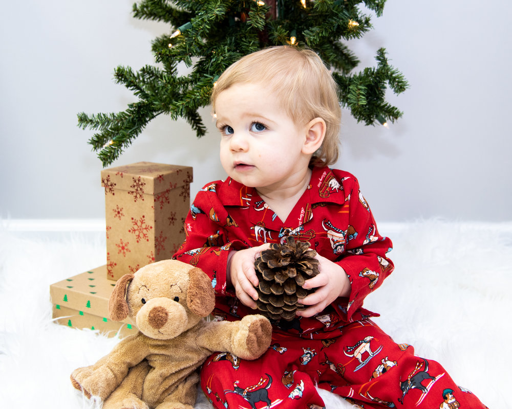 Kyla Jo Photography // Muncie. Indiana // Midwest Photographer // Studio Photography // Christmas Family Session // Old Navy Christmas PJS
