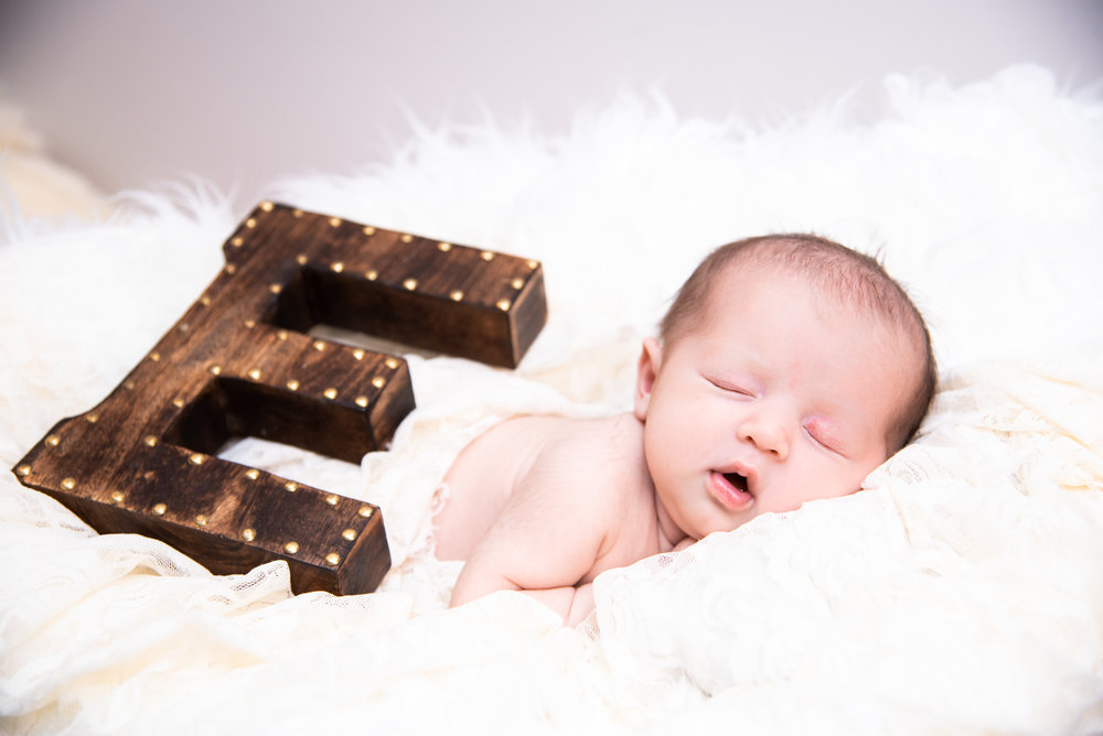 Kyla Jo Photography // Muncie, Indiana // Newborn Photos // Newborn Session // Muncie indiana newborn session // Newborn photographer muncie indiana // indiana newborn photographer // Midwest Newborn Photos