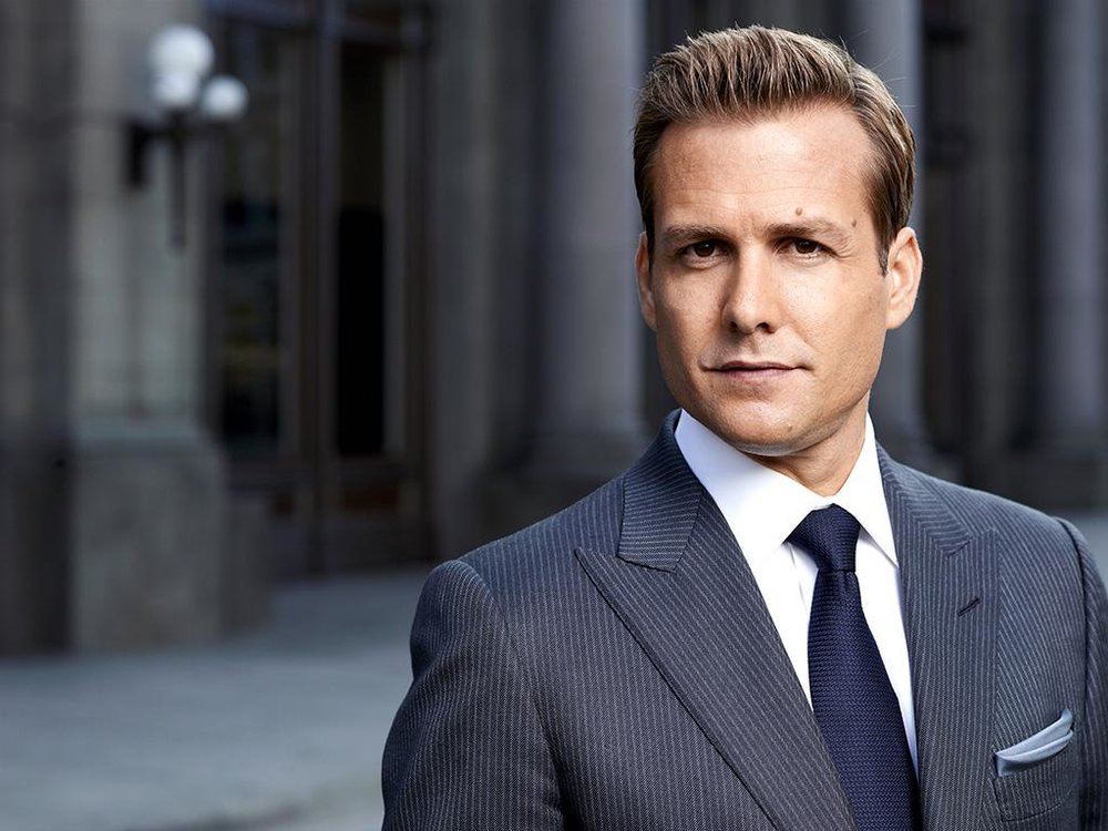 Harvey Specter wearing a peak lapel TOM FORD suit