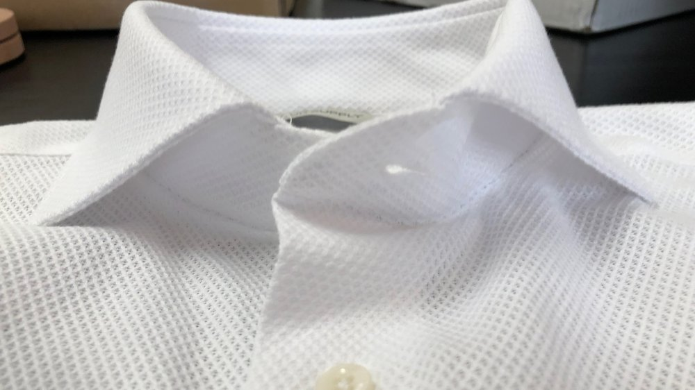 acb5346ae0 A Review of SuitSupply s Extra Slim Fit Dress Shirt (+ Charles Tyrwhitt  Comparison)