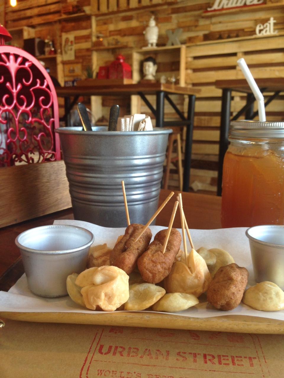 I think this is called Manila Tusok-tusok or something like that :) It's an assortment of fishballs, squid balls, and kikiam