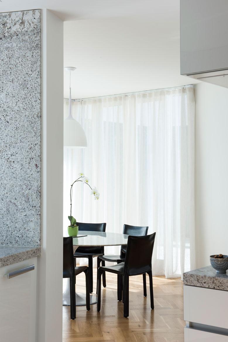 Rina Cohen Interiors, RCI Designs, Interior DesignGranite Kitchen St Kilda Residence,Meals