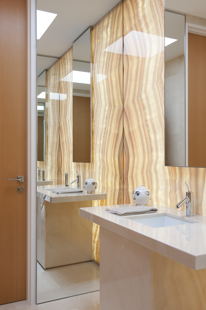 Rina Cohen Interiors, RCI Designs, Interior Design, Onyx Powder room
