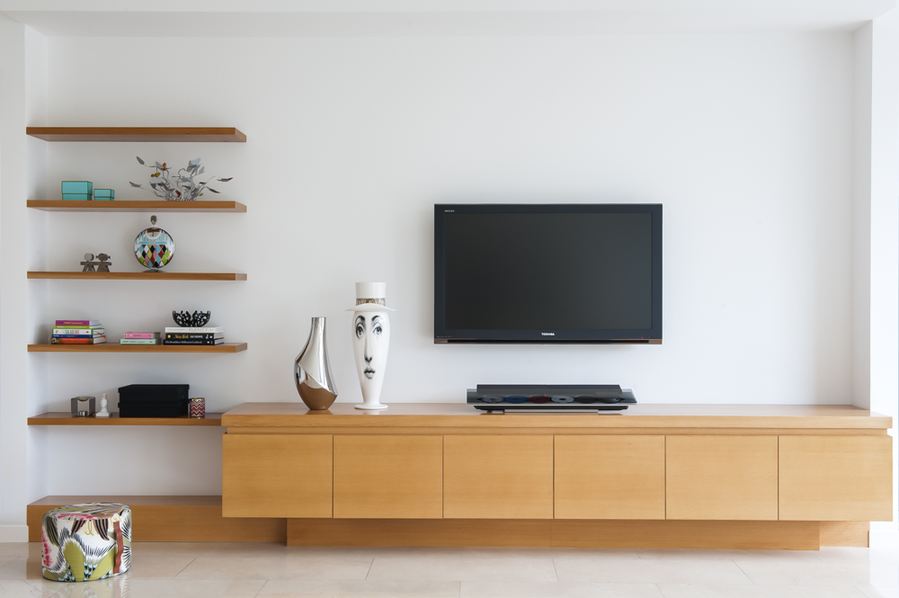 Rina Cohen Interiors, RCI Designs, Interior Design, TV cabinetry and floating shelves