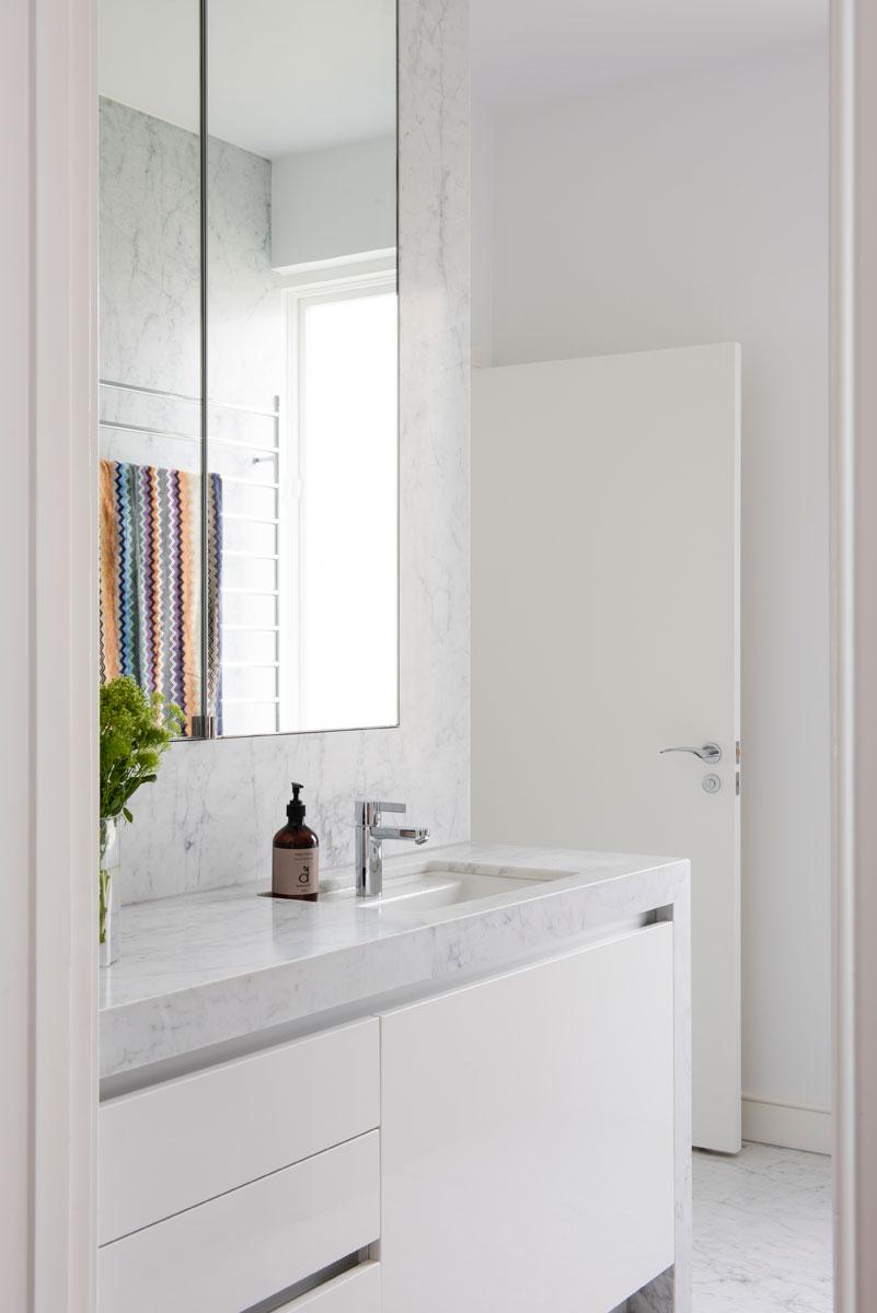 RCI-Designs-marble-bathroom-vanity.jpg