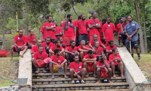 australian-kokoda-tours-our-porters.JPG