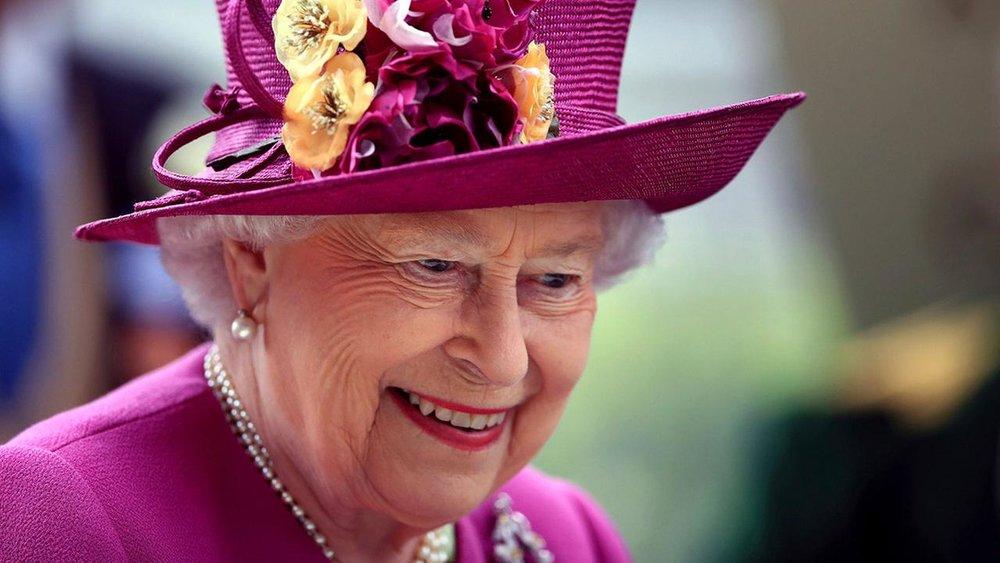 Queen Elizabeth II - Windsor Prom