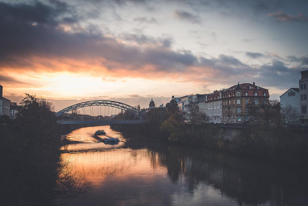 Luitpoldbrücke Sonnenaufgang Winter.jpg