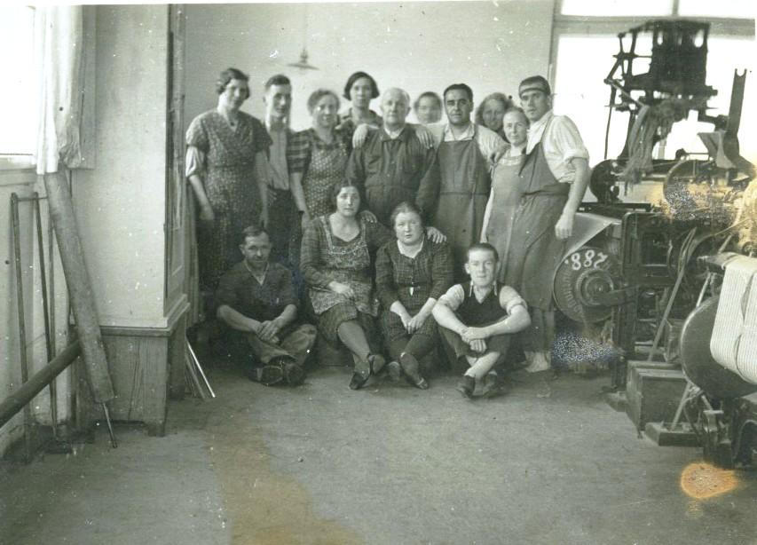 Belegschaftsfoto in der Weberei, o.J.  Gemeindearchiv Thüringen