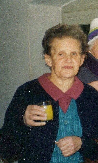 Agathe Heim war jahrzehnte in der Textilfabrik beschäftigt.  Foto um 1985   Gemeindearchiv Thüringen