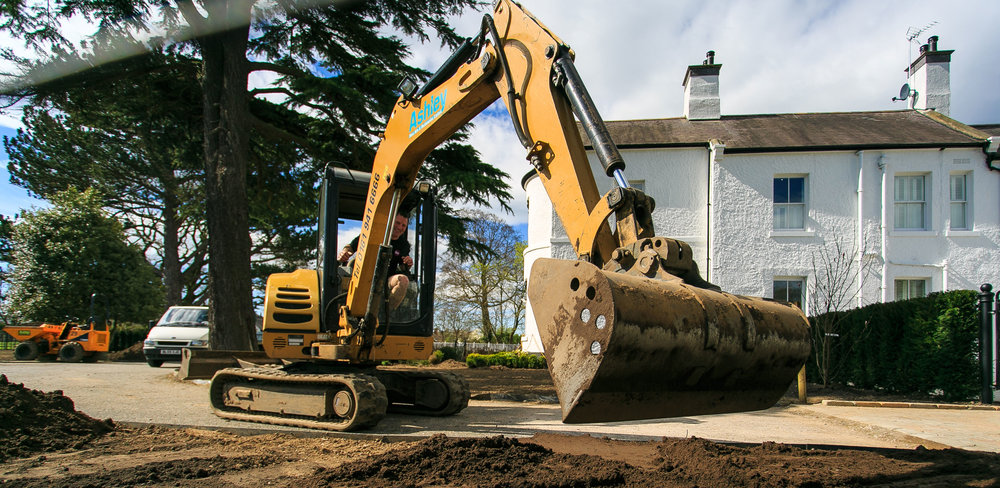 LANDSCAPE CONSTRUCTION - Groundworks & Hardworks  |  Planting  |   Specialist Maintenance