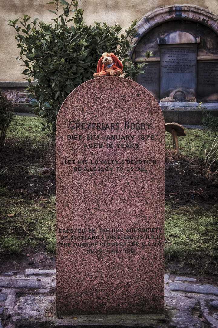 Edinburgh Photo Walking Tour Greyfriars Bobby Grave