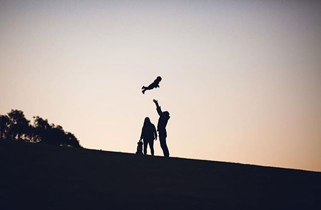Happy families 👪🐾 . . #familyphotographer #familysession #family #love #lifestylephotography #brisbane #brisbaneanyday #photographer
