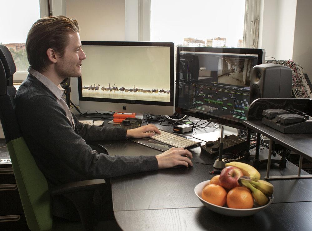 Niklas med frukt 2014.