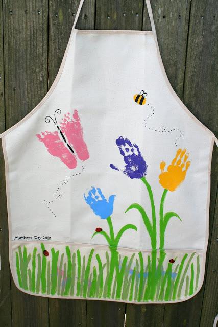 apron handprint