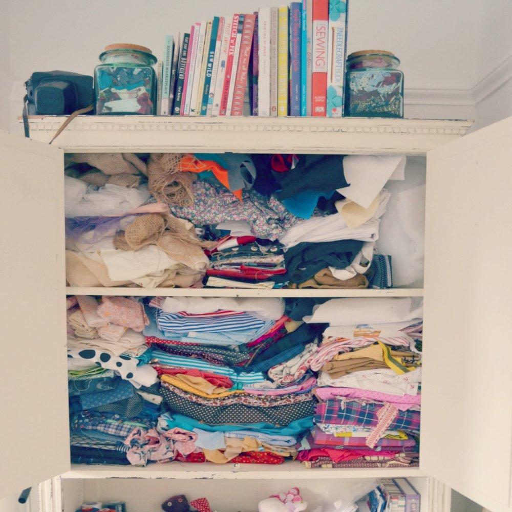 dresser for fabric