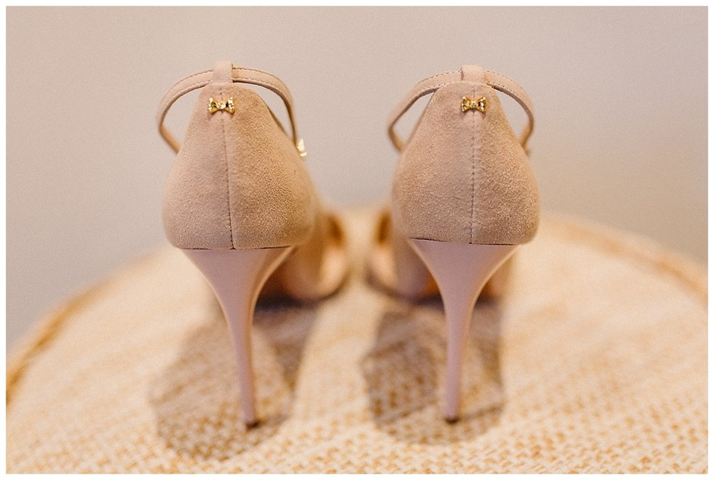 wedding shoes with bows on