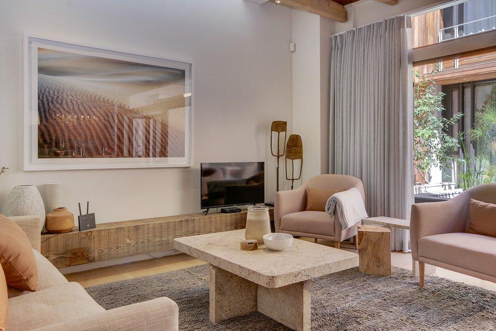 3b 155 lounge 1.jpg