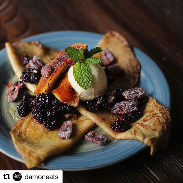 Sunday brunch calls for our Blackberry and Bourbon Crepes! #rossandhall #brunch  Thanks for sharing @damoneats!