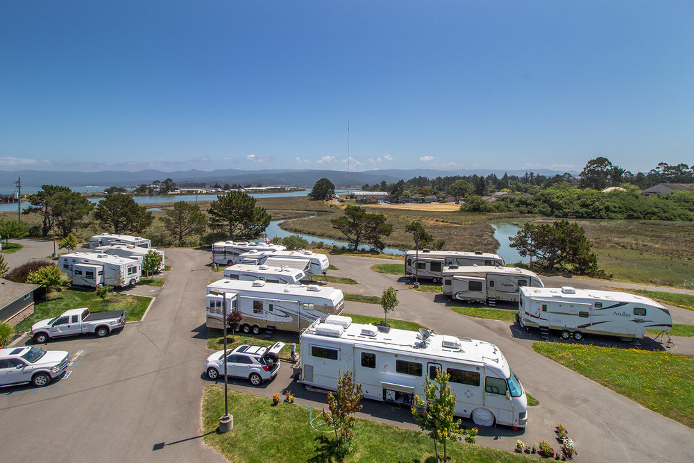 Shoreline RV Park - 2600 North 6th Street