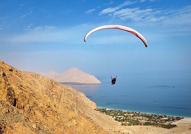 640x450_Paragliding8-140x87.jpg