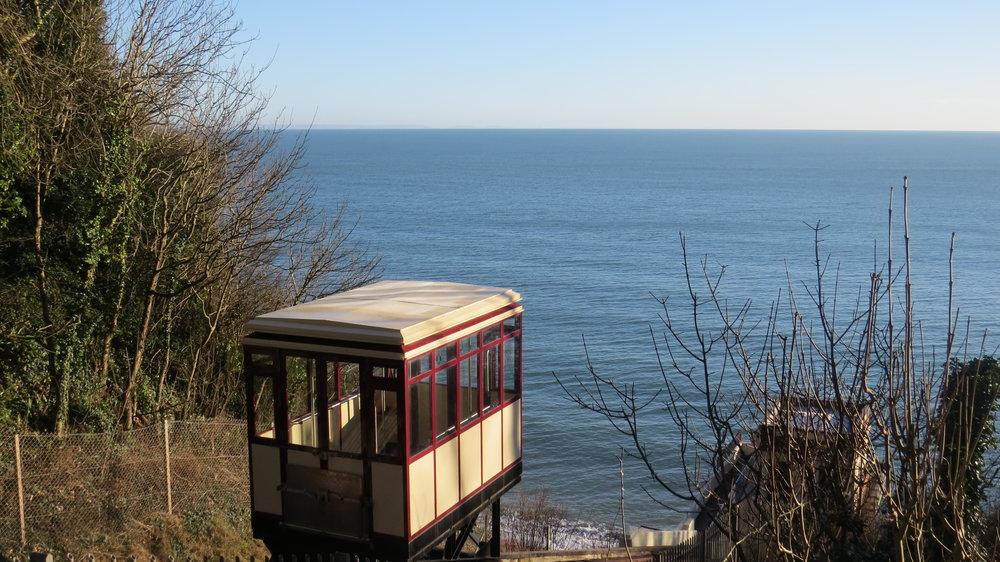 Cliff Train