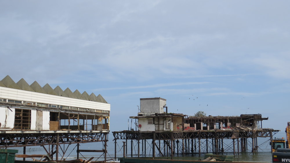 Demolishing Colwyn Pier