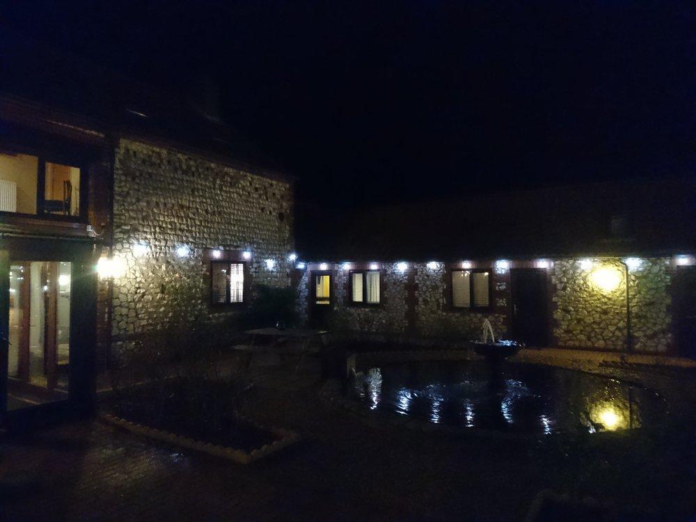 Briarfields Hotel Courtyard