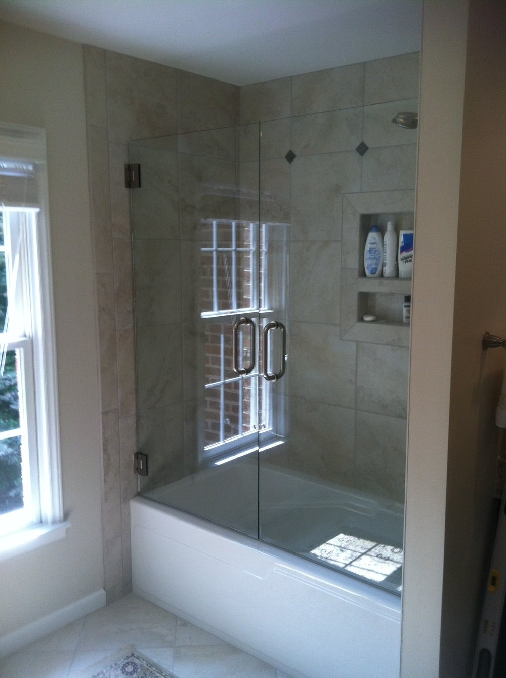 Chase_shower_door_photos-06.jpg