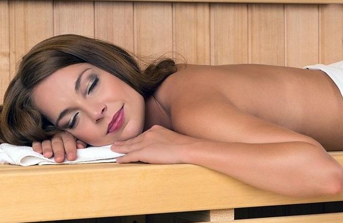 saunia makeup advertisement prague