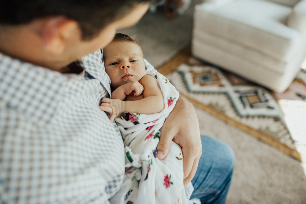 1822_1782_san-antonio-newborn-lifestyle-photography.jpg