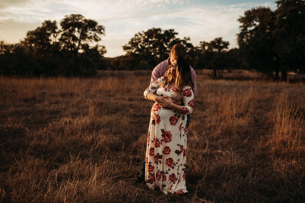 836_san antonio lifestyle maternity photographer.jpg