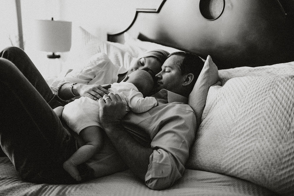 Family on bed in lifestyle session