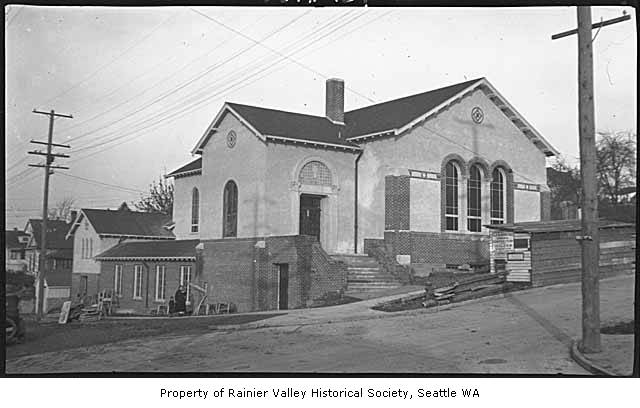 Newly_built_Columbia_Congregational_Church_Seattle_ca_1924.jpg