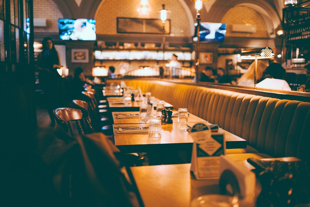 20181118 Restaurant picture anthony-ginsbrook-528706-unsplash.jpg
