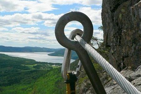 450px-Wire_mountain_climbing.jpg