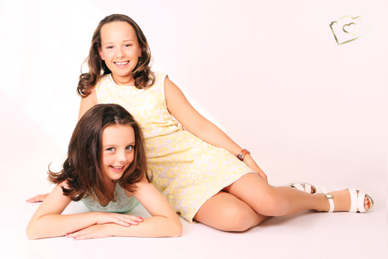 Makeover Photoshoot with Afternoon Tea - Curves Photography Studios - Mum and Daughter_036.jpg