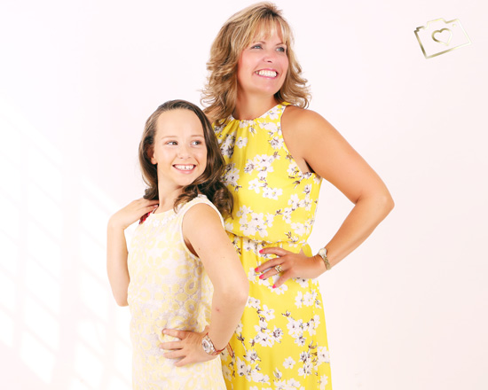 Makeover Photoshoot with Afternoon Tea - Curves Photography Studios - Mum and Daughter_040.jpg