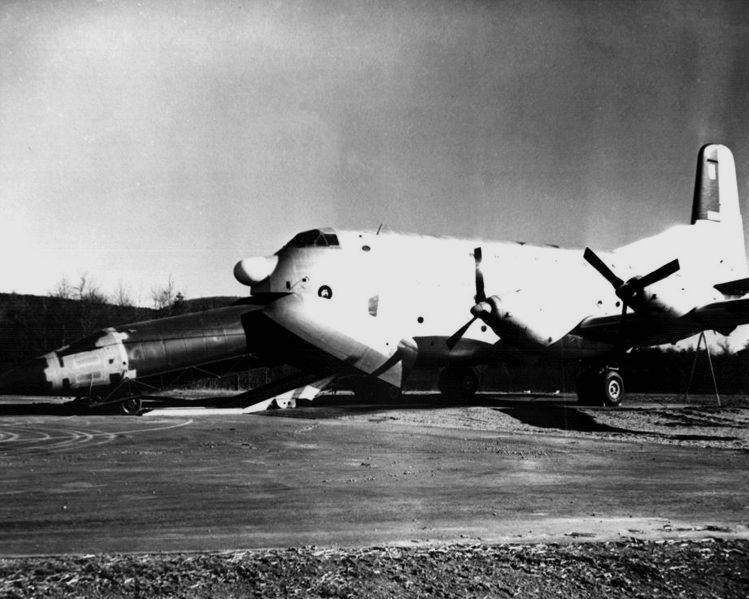 YC-124B Douglas