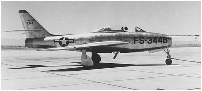 YF-84F Thunderstreak