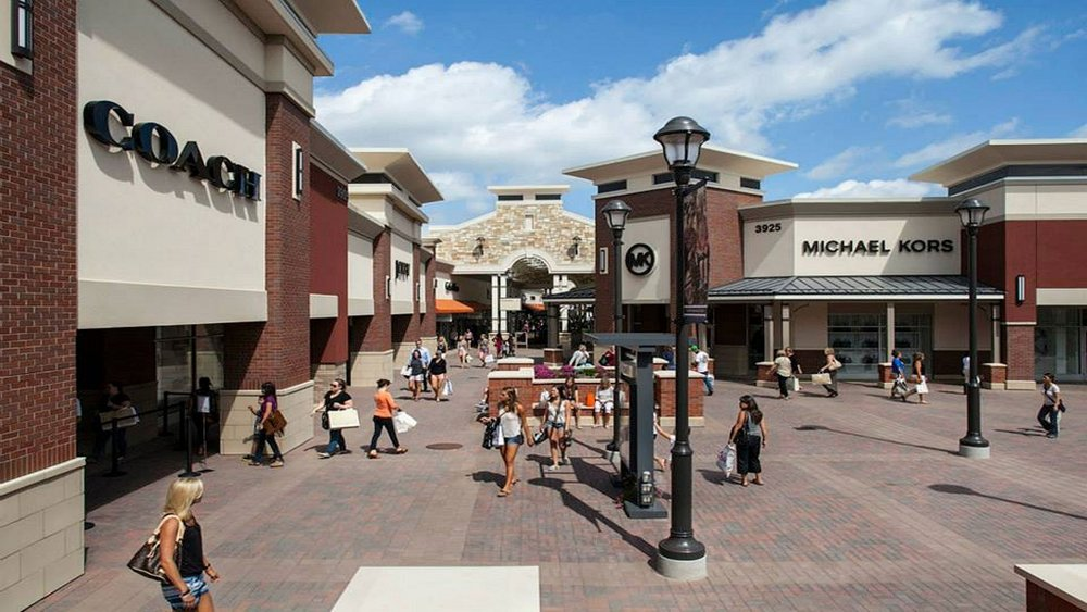 Twin Cities Premium Outlets.jpg